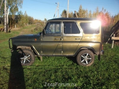 SUBURBAN - УАЗ-315196 (2).JPG